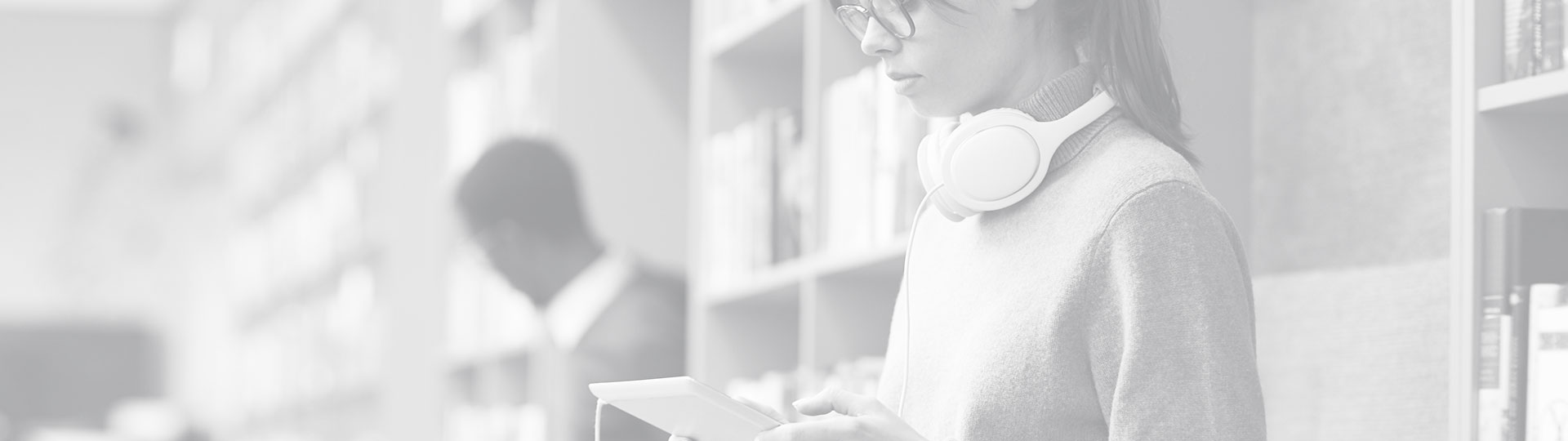 books-music-more-bg2