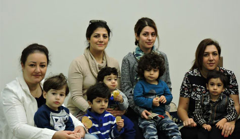 persian-mothers-with-children